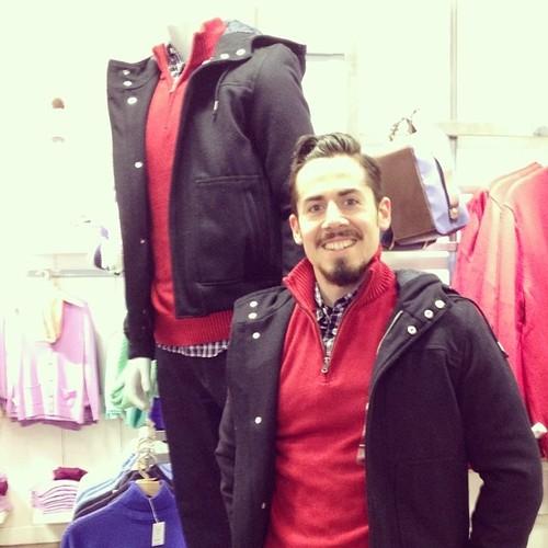 #撞衫也是一種樂趣:溫哥華男子就是愛到店跟假人模特兒撞衫 11