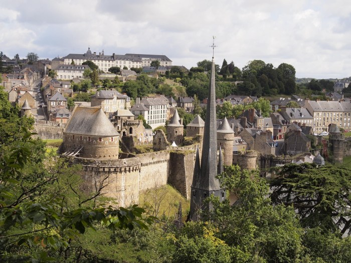 Fougeres skyline