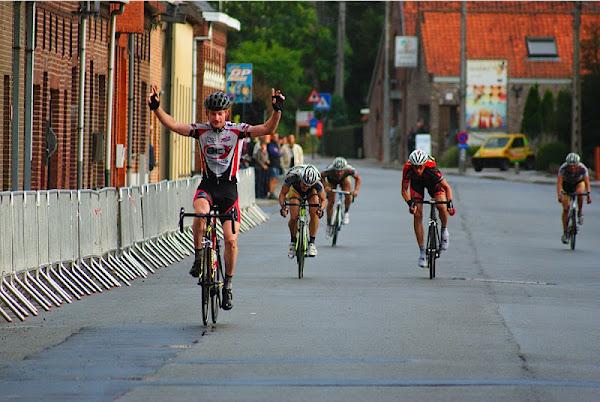 Joeri Calleeuw wint Gardeboe Criterium Oekene 2012
