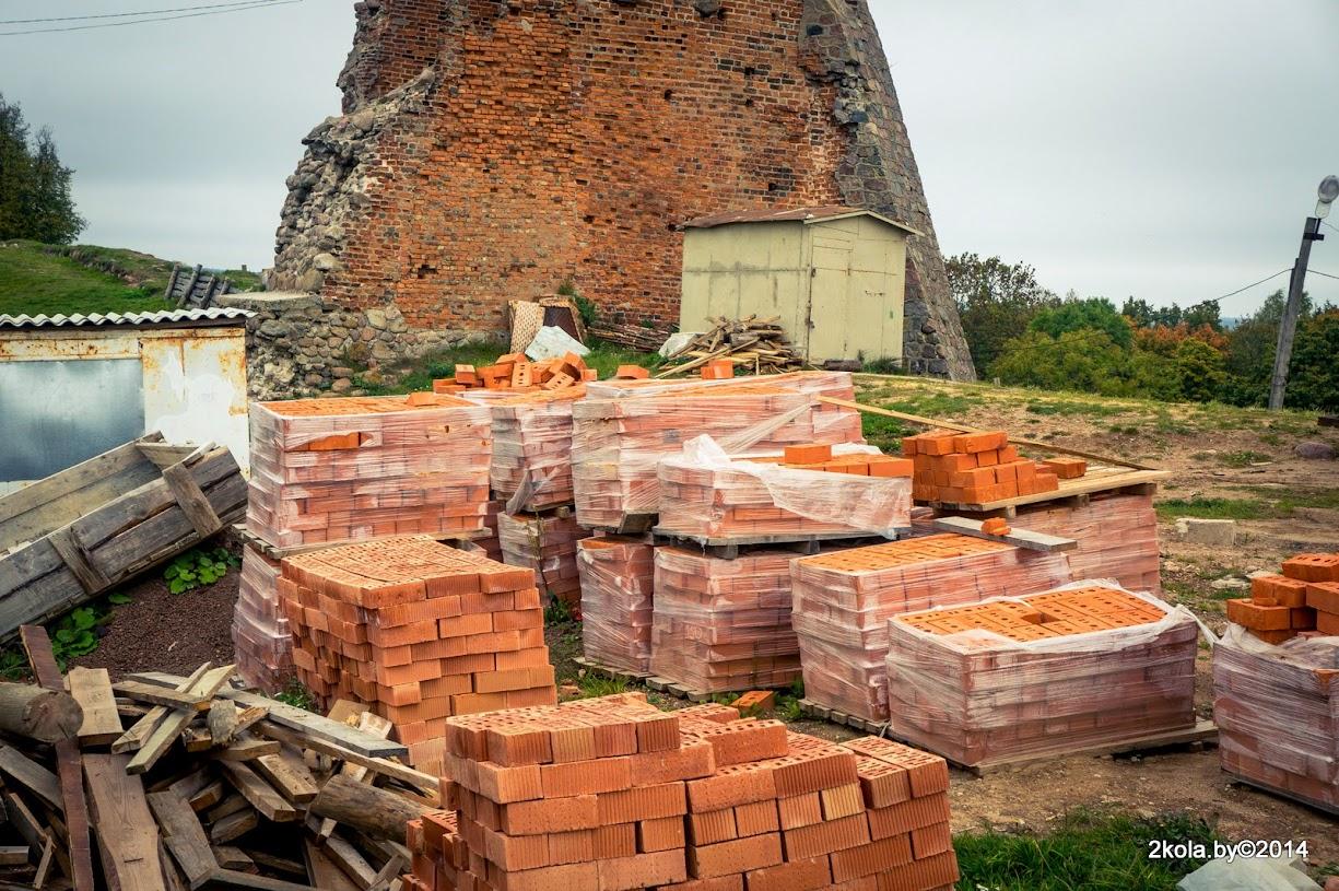 Реконструкция замка в Новогрудке - все очень плохо