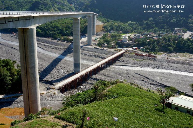 超高落差,陸橋還沒好之前是走下面那便橋-屏東霧台二天一夜遊