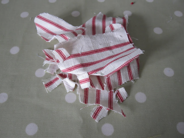 Project Ninety Seven: Making Christmas Baubles using Fabric Scraps (with tutorial) (4/6)