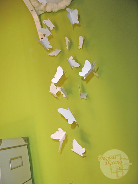 Un móvil de mariposas para decorar.