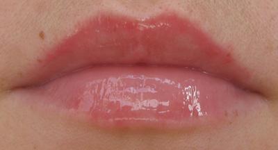 Uma-Cosmetics-Lip-Boost-Extreme-on-lips-03