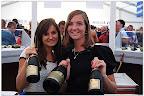 Julie Plancke en Daphe Devos in de champagnebar
