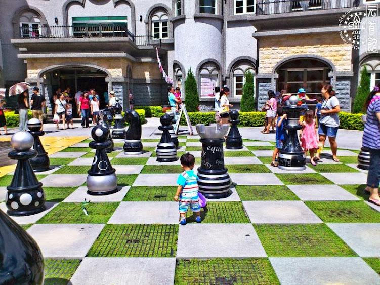 埔里景點:元首館-巨大化西洋棋,誰要跟我對弈?