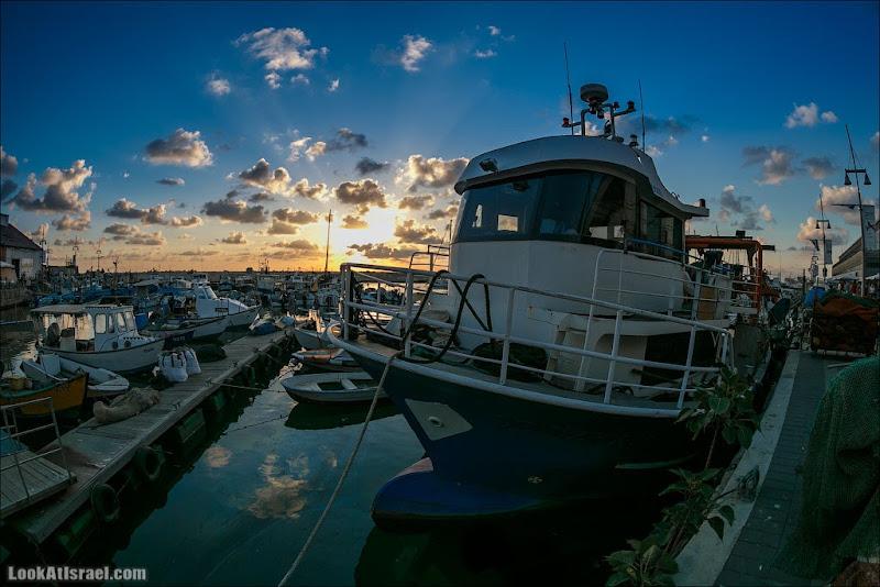 Одно фото / Закатный кораблик