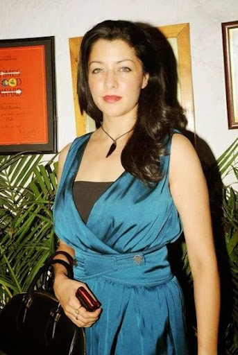 Aditi Gowitrikar Photos