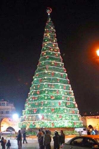 Höchster Weihnachtsbaum Deutschlands.Weihnachtsbaum Mit Islamischen Halbmond Auf Der Spitze Hudas Welten