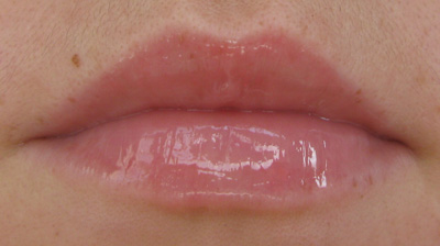 Uma-Cosmetics-Lip-Boost-Extreme-on-lips-02