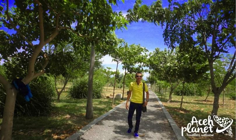 Bertamasya di Hutan BNI Kota Banda Aceh