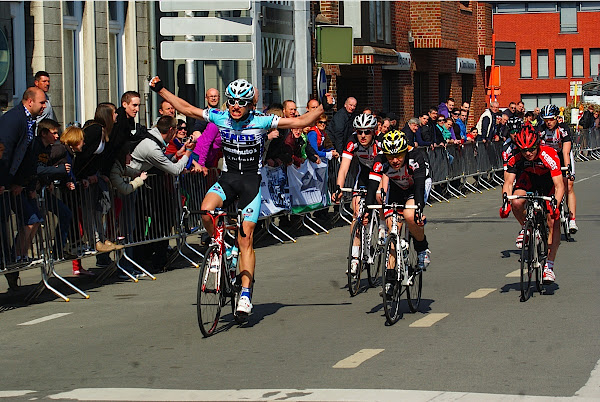 Engelbert Van Keirsbulck wint GP Hostekint