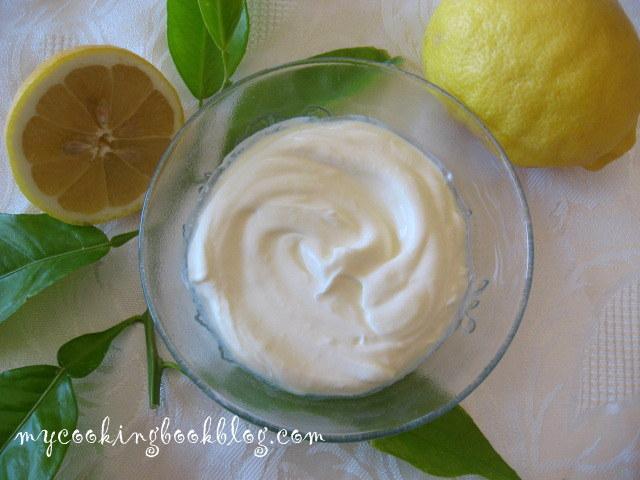 Как се прави заквасена сметана (sour cream)