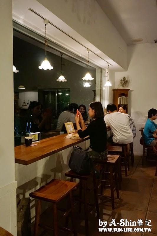 MITAKA 3e CAFE1
