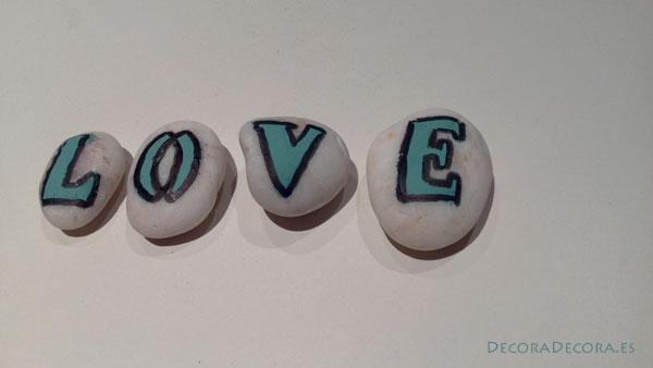 Pintar piedras para el 14 de febrero
