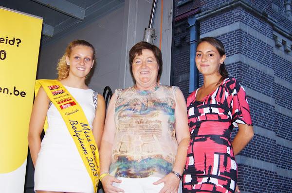 Miss Coast, Maria van automobilia, Laura Santy