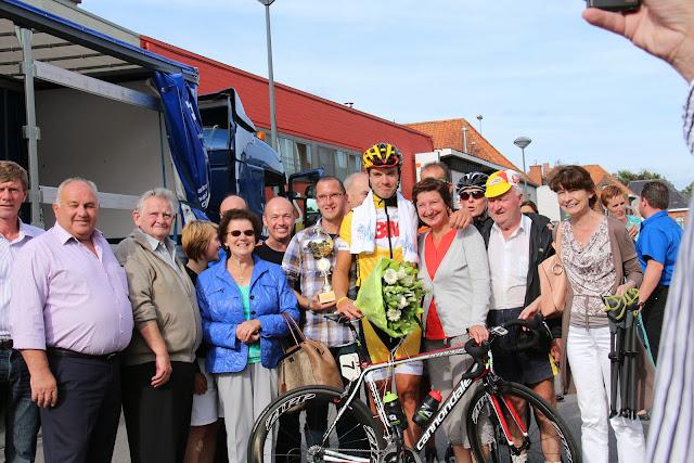 Jens Vandenbogaerde en zijn supporters