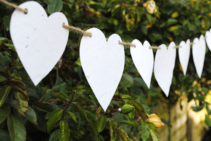 Tuesday's Resourceful Little Idea: DIY Recycled Paper Bunting (6/6)