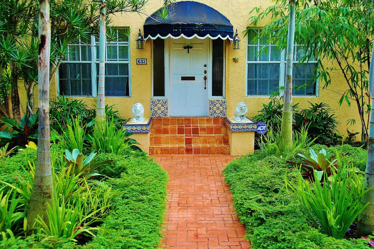 Home Design Wallpaper: Front Yard Tropical Landscaping ... on Tropical Landscaping Ideas For Small Yards id=81126