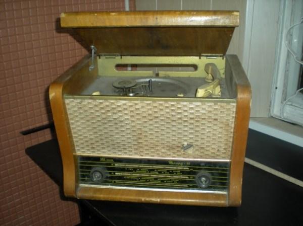 """странное радио: радиола """"рекорд - 61"""