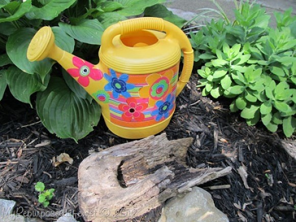 Mod Podge Watering Can (16)