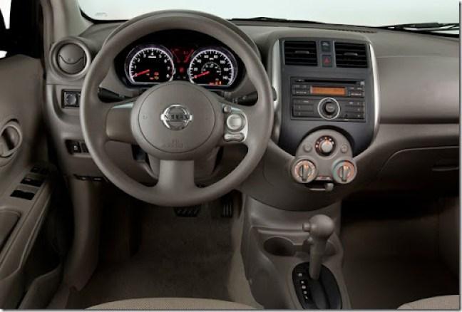 Nissan Versa [3]