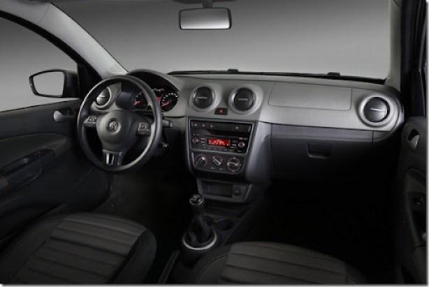 Eis os novos Volkswagen Gol e Voyage 2013 (13)