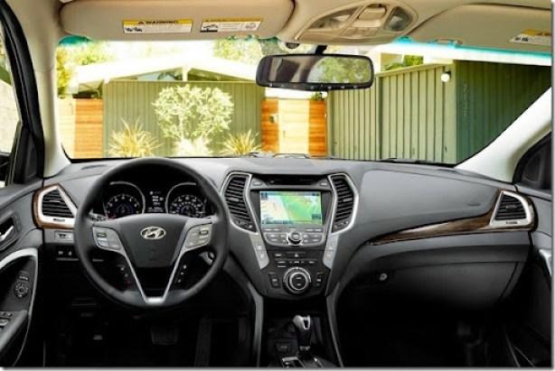 2015-Hyundai-Santa-Fe-05