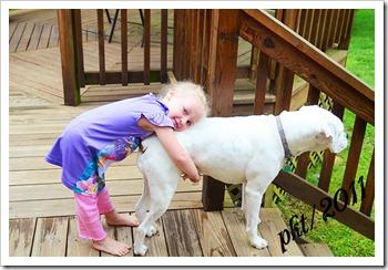 DSC_9997Kaylin-hugging-Maxine