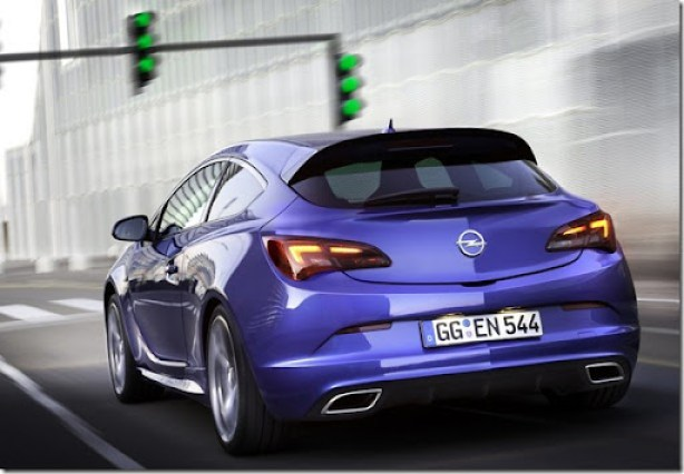 Opel-Astra_OPC_2013_1024x768_wallpaper_07