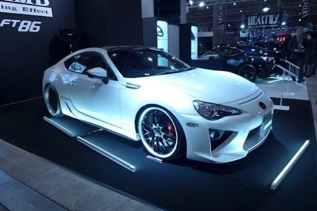 http://lh6.ggpht.com/-Nxkypxzl7D4/UPF3ywjZSnI/AAAAAAALDiU/pu0FKbPsjCo/s1600/Lexus-LFT86-3%25255B2%25255D.jpg
