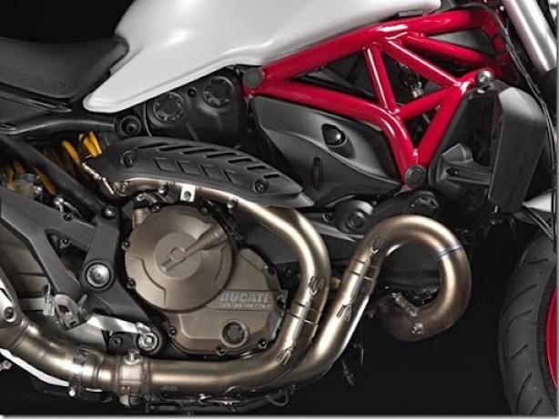 Ducati-Monster-821-08