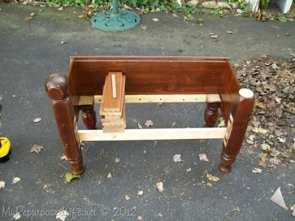 how to make a kids bench from a foot board