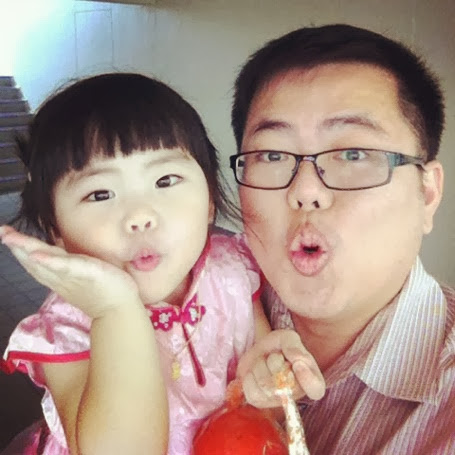 Yining With Papa at 2 Years Old
