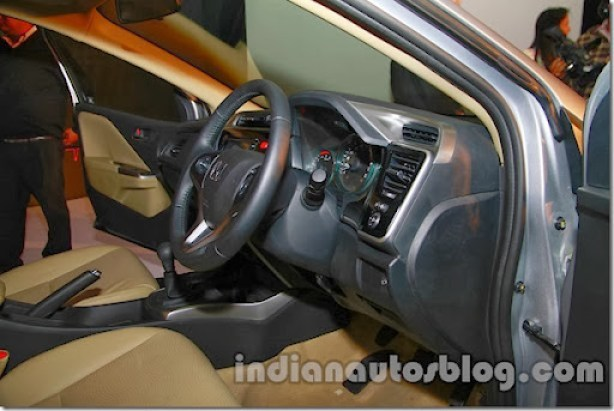 New-Honda-City-steering-wheel