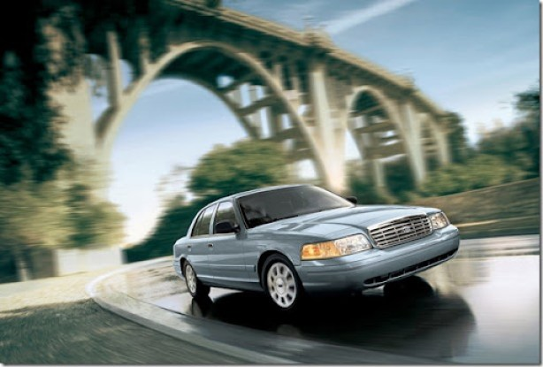 Ford-Crown_Victoria_2006_1600x1200_wallpaper_01