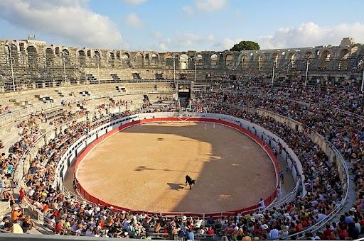 Arles-anfiteatro-4
