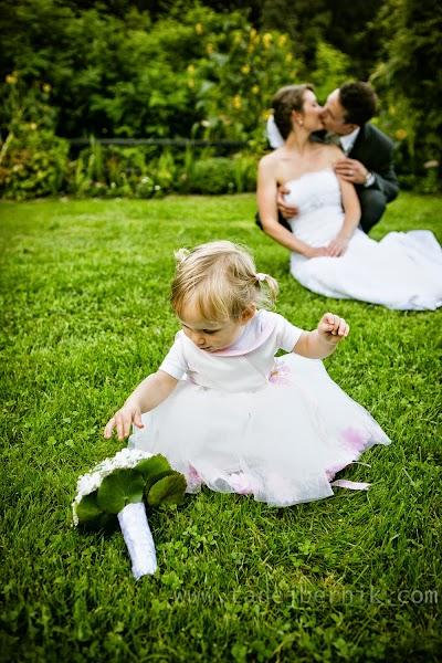 porocni-fotograf-wedding-photographer-ljubljana-poroka-fotografiranje-poroke-bled-slovenia- hochzeitsreportage-hochzeitsfotograf-hochzeitsfotos-hochzeit  (166).jpg