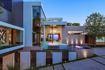 fachada-casa-de-lujo-en-Beverly-Hills-California