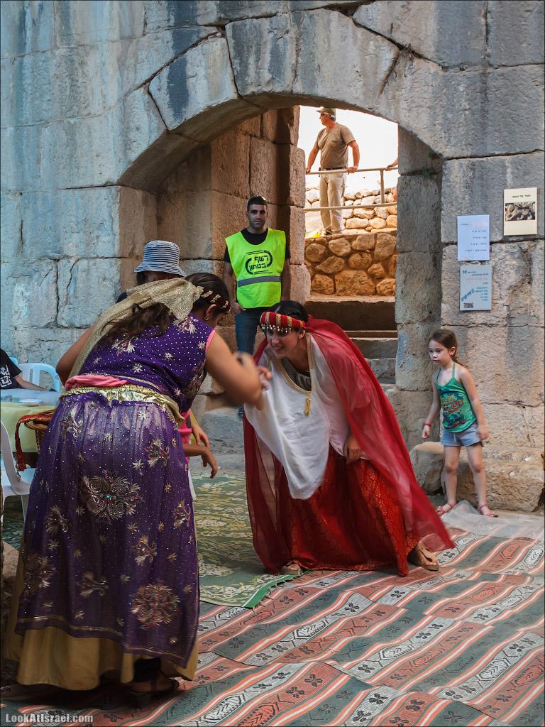 LookAtIsrael.com: Фото-блог о путешествиях по Израилю. Тель Авив, Иерусалим, Хайфа Сцена на рыночной площади