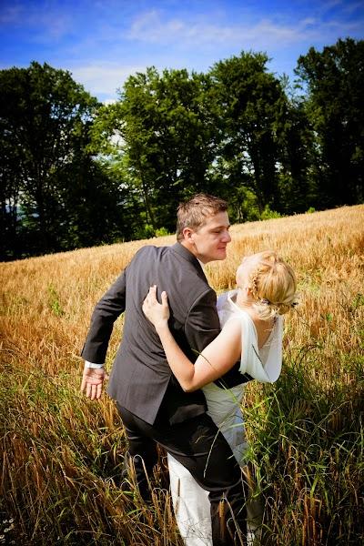 porocni-fotograf-wedding-photographer-poroka-fotografiranje-poroke- slikanje-cena-bled-slovenia-koper-ljubljana-bled-maribor-hochzeitsreportage-hochzeitsfotograf-hochzeitsfotos-ho (35).JPG