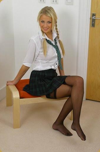 short plaid skirt1