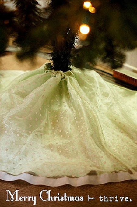 10 min. Christmas tree skirt from a girls dress - choosetothrive.blogspot.com