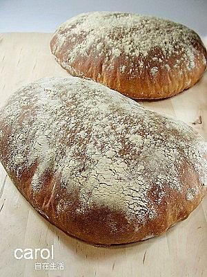 Carol 自在生活 : 天然酵母拖鞋麵包(CIABATTA)