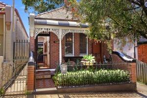 reforma Casa 46 North Avenue Rolf Ockert