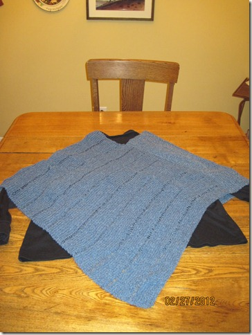 knitted poncho 003