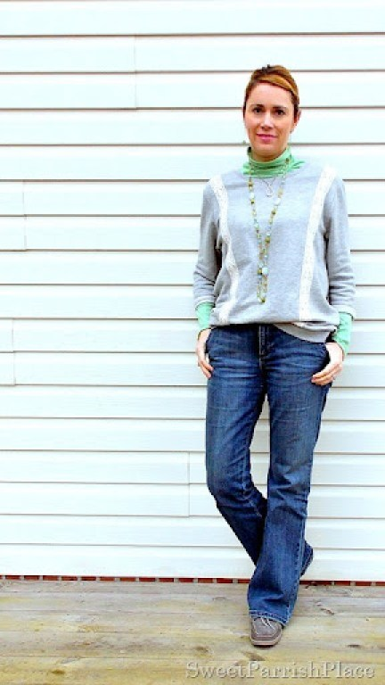 sweatshirt with boot cut jeans and sperrys4