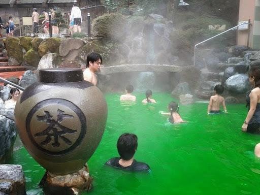 yunessun-spa-resort-6