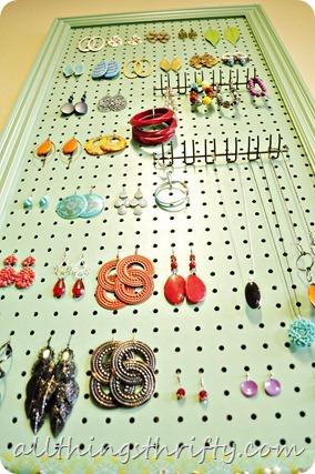 Jewelry holder to make