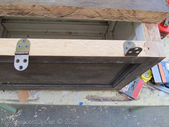 door repurposed into a trunk (19)